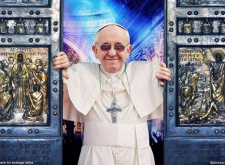 """Il Papa contro i giornalisti: """"le chiacchiere uccidono, la critica è legittima e necessaria, ma deve essere fatta rispettando l'altro"""""""